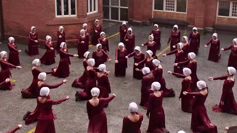 handmaids-tale-watching-videoSixteenByNineJumbo1600-v4
